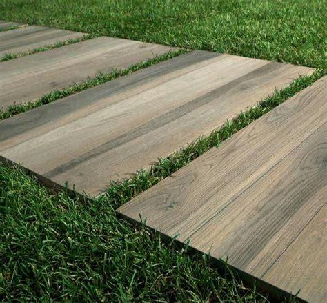 keramisch tegels buiten een terras in keramische tegels keramische terrastegels