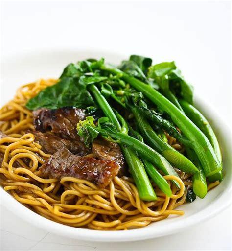delicious stir fry  people  swear   wok