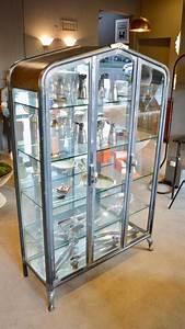 Vitrine Metall Glas : monumental iron and glass vitrine for sale at 1stdibs ~ Whattoseeinmadrid.com Haus und Dekorationen