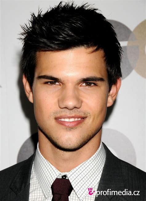 Taylor Lautner   coiffure   HappyHair