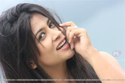 marathi actress kiss photos celebrities and games december 2013