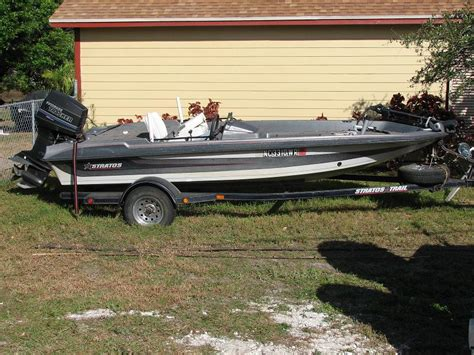 Stratos Bass Boats by 1990 16 Stratos Bass Boat Motor Trailer The Hull