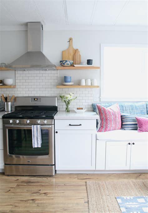 Nona?s kitchen: FULL REVEAL ? Amber Interiors