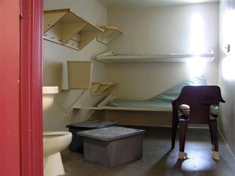 Tough economy forces shutdown of Appleton prison ...
