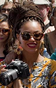 Beyonce Rocks Braids And Bold Printed Outfits During ...