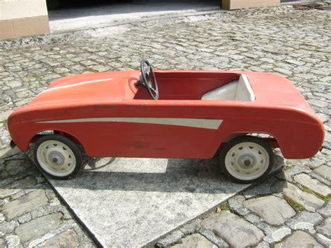 Voiture à pédales (Renault Dauphine) de 1965 - Catawiki