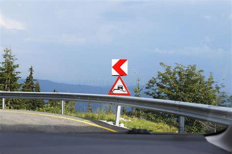 si ge b b la route l 39 avertissement se connectent la route dangereuse de