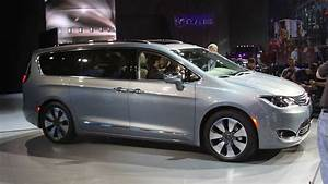 Chrysler: 2018 Chrysler Town And Country Pictures - 2018