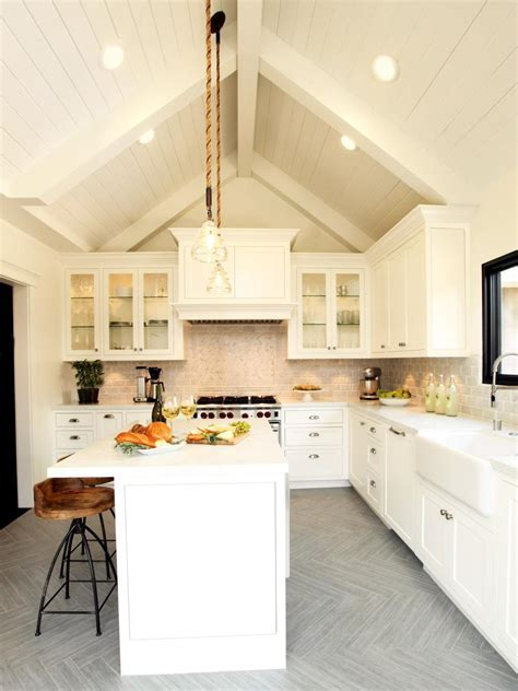 White Farmhouse Kitchen   Christopher Grubb   HGTV