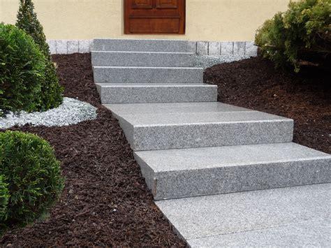 amenagement entree avec escalier maison design deyhouse