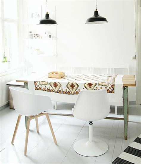 Combinando estilos - Mesas rusticas e cadeiras modernas