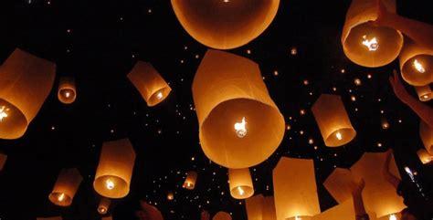 fabriquer des lanternes volantes lanterne volante pour le mariage d 233 co my wedding