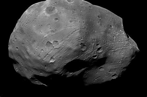 Maven » Maven Steers Clear Of Mars Moon Phobos