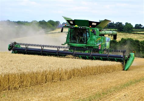 New Deere S700: Can this combine do the thinking for you ...