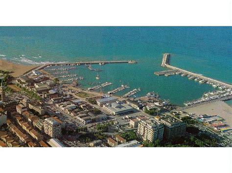 beneteau si鑒e social civitanova marche porti turistici a marche