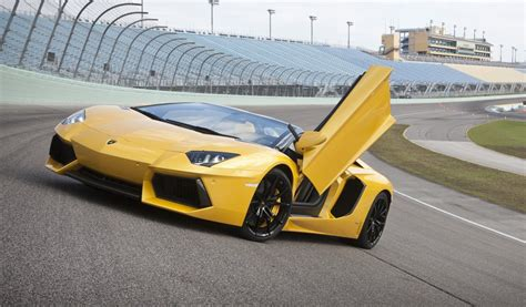 lamborghini aventador lp700 4 roadster 795 000 price tag announced photos caradvice