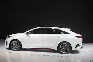 Coffre Kia Ceed : kia proceed break de classe vid o en direct du mondial de paris 2018 ~ Maxctalentgroup.com Avis de Voitures
