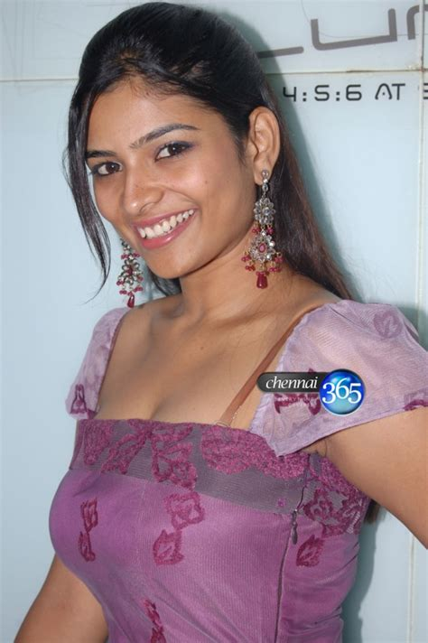 tamil serial actress  vj pictures latest actress pictures