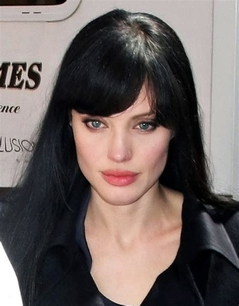 Celebrity Hairstyles: Angelina Jolie Hair With Bang
