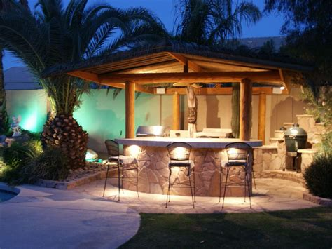 Giant Palm Trees Beuatifying Backyard Bars Designs