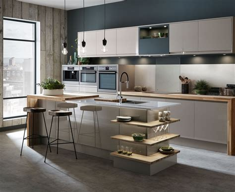 howdens kitchen accessories bayswater gloss kitchen howdens joinery 1743