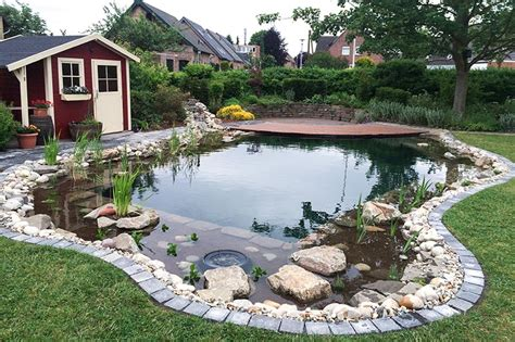Moderne Teich Im Garten  Nowaday Garden
