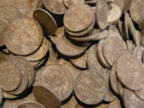 besoin de conseil pour nettoyer des monnaies en aluminium numista