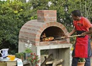 Four Pizza Exterieur : 25 best ideas about outdoor pizza ovens on pinterest ~ Melissatoandfro.com Idées de Décoration