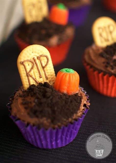 graveyard cupcakes  days  halloween day