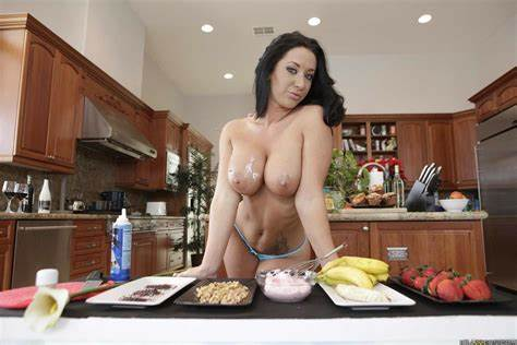 Before Her Billionths Facials Jayden Jaymes With Small Breasts Knows Crack In The Couch