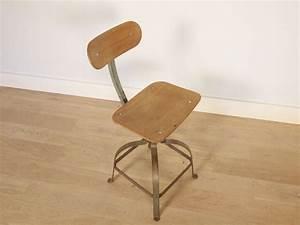 Chaise Industrielle Vintage : chaise industrielle bienaise ~ Teatrodelosmanantiales.com Idées de Décoration