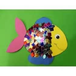 eine tolle anleitung zum fische basteln im kindergarten fuer kindergartenkinder ganz einfach