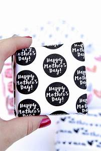 Free Printable Wrapping Paper for Mother's Day - Play ...