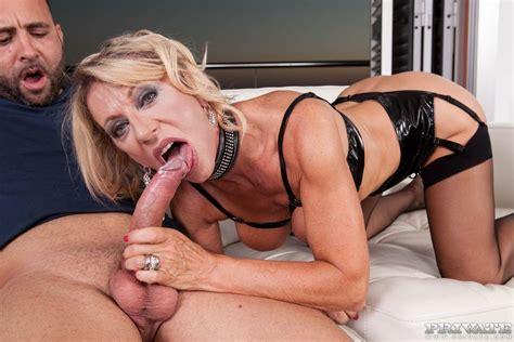 mature slut marina beaulieu has intense anal sex 2 of 2