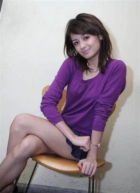 Joanna Alexandra Mini Skirt Edition Foto Sexy Artis