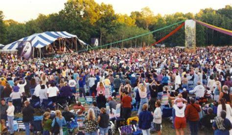 Faster horses festival in michigan international speedway, brooklyn, mi. Top 5 Women's Music Festivals | Girls That Roam