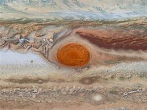 Hubble portrait captures changes in Jupiter's Great Red ...