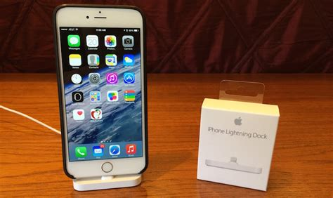apple iphone lightning dock review simple design with