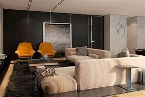 salon taupe moderne decore de panneaux muraux en relief With tapis shaggy avec canapé beige taupe