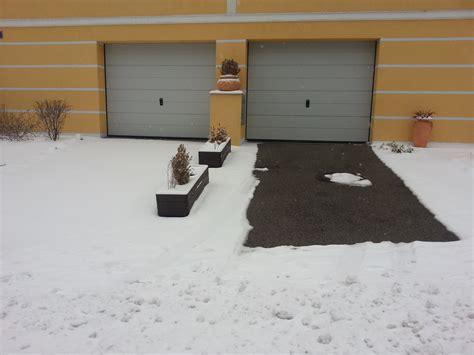 Nie Mehr Schneeschippen Und Eiskratzen Dank Freiflaechenheizung by Freiflachenheizung Asphalt