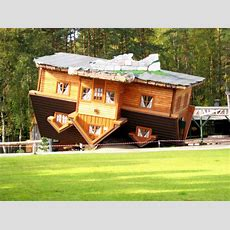 Filean 'upsidedown House' In Openair Museum, Szybmark