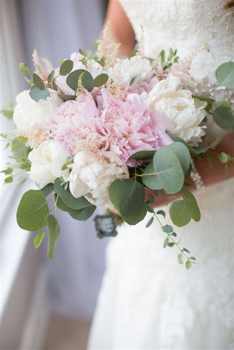 romantic wedding pink peonies white peonies pink