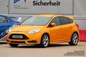 Focus St 250 : ford focus st sportlicher kompaktwagen mit f nf t ren und 2 liter ecoboost motor der 250 ps ~ Accommodationitalianriviera.info Avis de Voitures