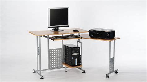 computertisch mit rollen computertisch marc in buche mit tastaturauszug und rollen 120 160 cm