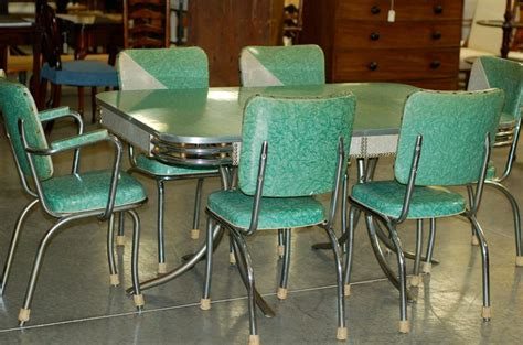 retro kitchen table chairs bringing  classic  york city diner   kitchen