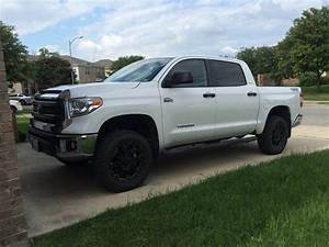 Stock Tires With 3  1 Lift  Tundra 06 Jpg