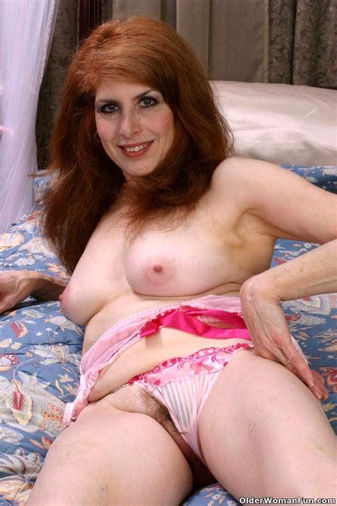 Olderwomanfun Olderwomanfun Model Exemplary Average Tits
