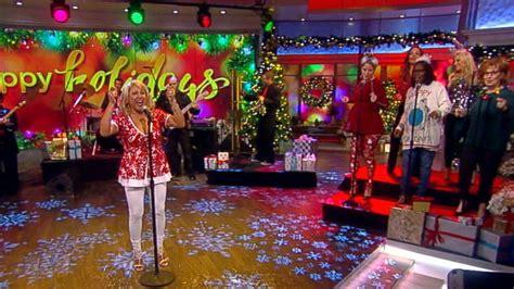 Darlene Love Performs 'christmas (baby