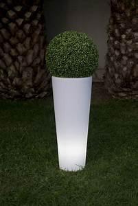 Blumentopf Hoch Aussen : garten im quadrat beleuchteter pflanzk bel cosmy outdoor ~ Michelbontemps.com Haus und Dekorationen