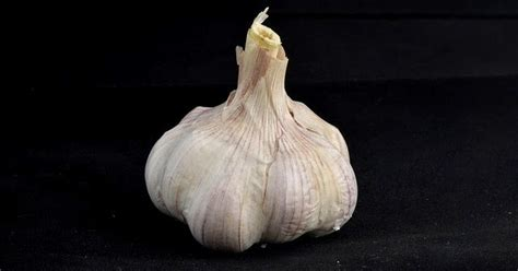 eat garlic   empty stomach